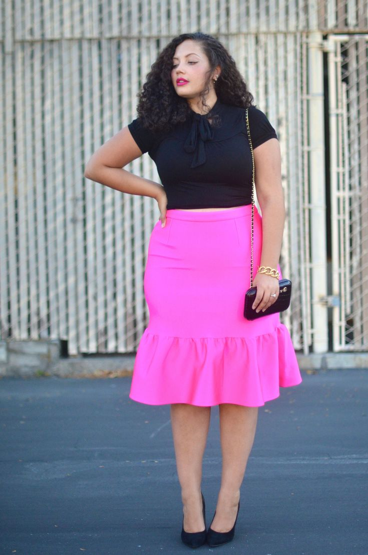 Girl With Curves: Pink