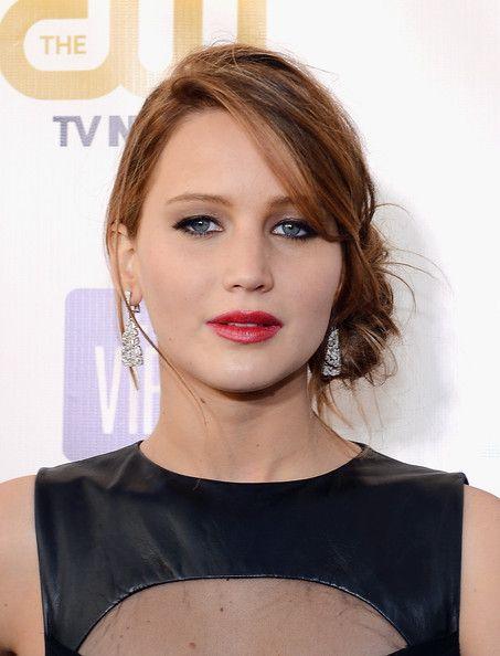 Jennifer Lawrence at 18th Annual Critics' Choice Movie Awards : gorgeous light caramel hair