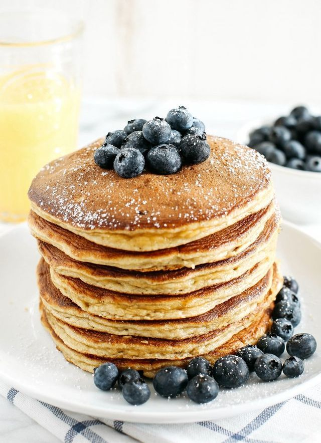 Start your morning with these fluffy blueberry banana pancakes that are grain-free, gluten-free and refined sugar-free made with almond flour for an easy delicious breakfast! Starting my mornings off