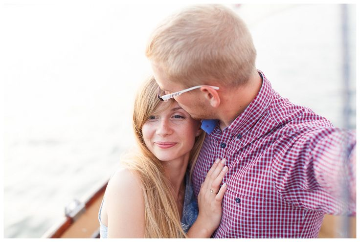 Aneta+Janek engagement photo session, engagement at lake, nautica engagement, boat engagement photos, sesja narzeczeńska na łódce, sesja narzeczeńska nad jeziorem, lake, engagement, fun photos, judytamarcol