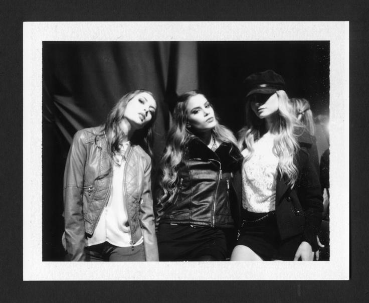 Macry, Ariadna & Kathy, backstage Studio F