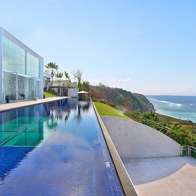 V i l l a L a t i t u d e  Photo via official website of Villa Latitude Photo location : No 1 Karang Kembar Estate, Kutuh Village, Bali ( near Pandawa Beach )  Latitude Bali offers guests 6 sumptuous suites - the Master Suite, Family Suites and 3 Guest Suites with total of 6 bedrooms for your accomodation at the villa. This villa is centre-pieced by the 36m x 6m infinity pool which lounges the length of the property overlooking the majestic ocean views.  This is a great choice for…