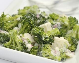 Salade aux brocolis, ail et échalotes