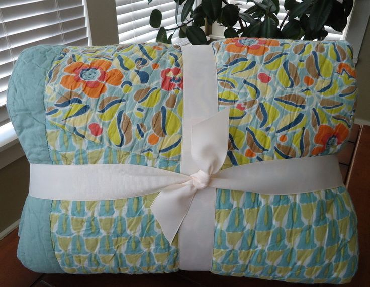 Pottery Barn Scalloped Organic Patchwork Bedding Quilt