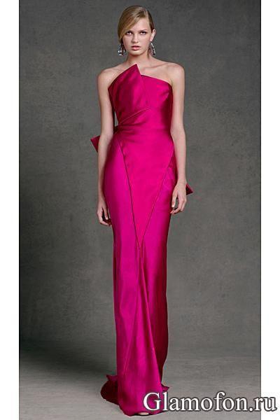 Вечернее платье цвета фуксии