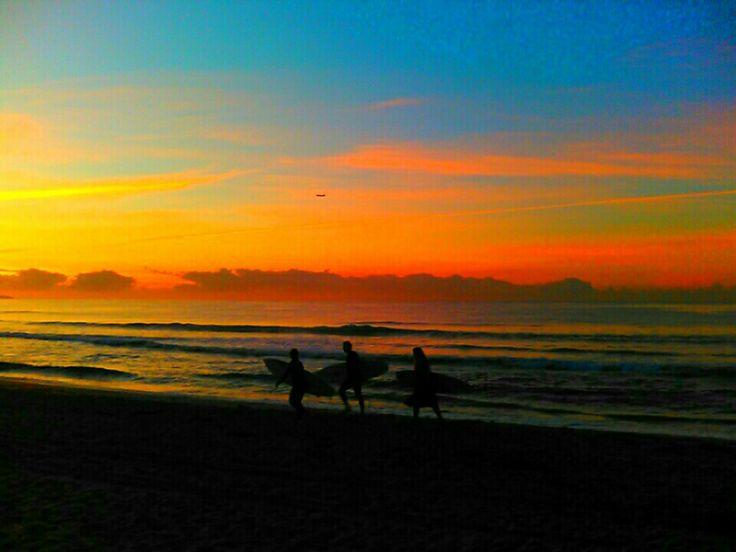 Rise n shine surf. Breaky & coffee is awaiting um um :)