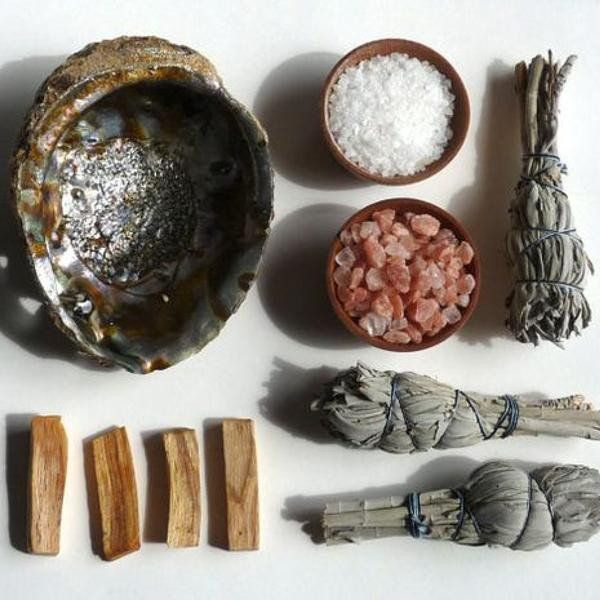 "Smudging 101: Palo Santo Versus Sage - Holy Wood & Co. Palo Santo, the ""Holy Wood"" has a sweeter, more aromatic scent, and keeps in all of the good energies while removing all of the bad."