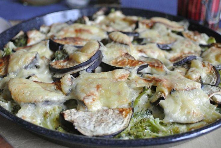 Schnell was kochen? Das geht immer: Herzhafter Eierkuchen bzw. Omelett mit Gemüse.