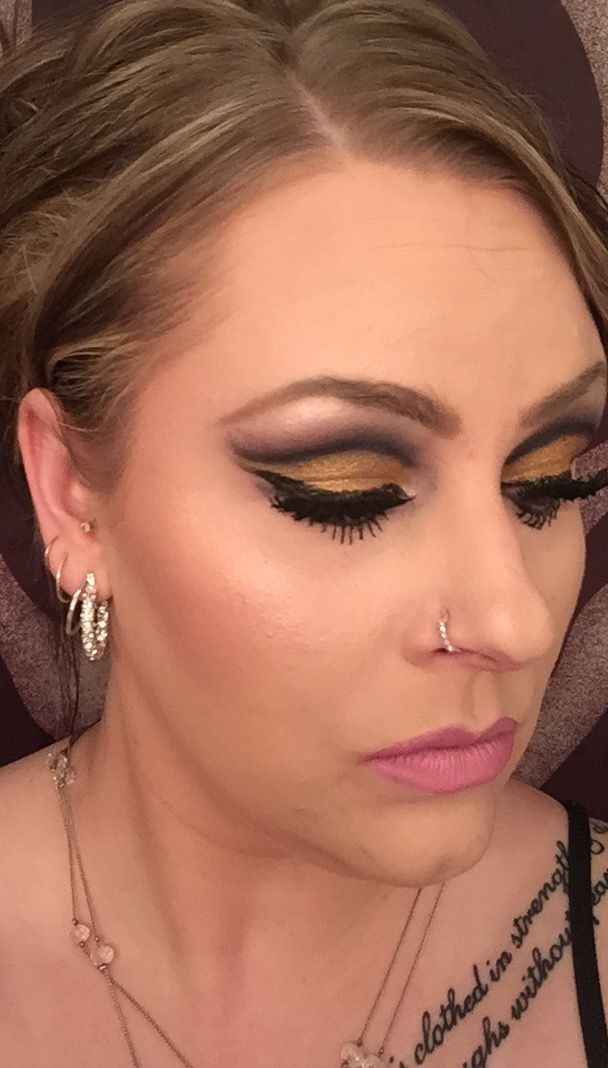 Gold cut crease with blues and black