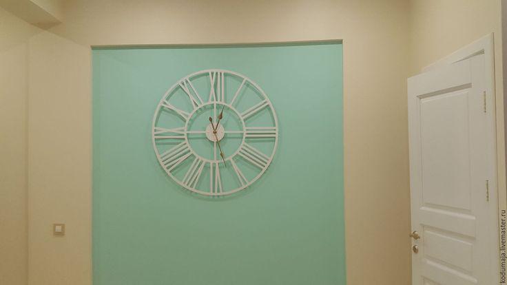 "Wall clock ""Rooma"". 100cm. 1metre. 1m. Metal wall clock. Wall clock KODUMAJA. Made of metal. Steel. Big clock. White colour. Roman numbers. Roman clock. White and gold."