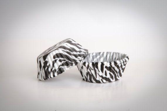 CUPCAKE baking cups paper zebra Zebraprint base 50 by buyititaly, €2.75
