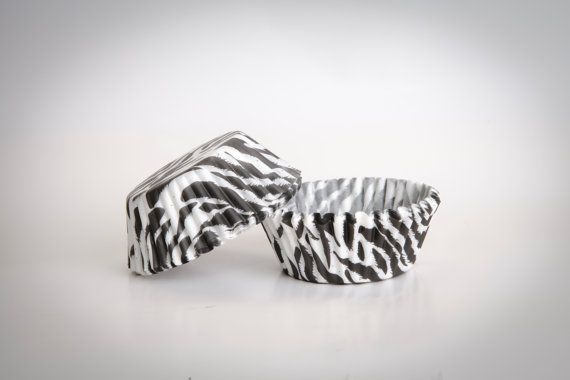 CUPCAKE baking cups paper zebra Zebraprint base 50 by buyititaly, €2.75