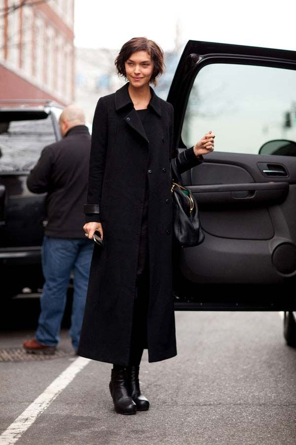 Arizona Muse proves the power of a perfectly fitted long coat.  #streetstyle #newyorkfashionweek #fashion #fashionweek #style #harpersbazaar #mrnewton