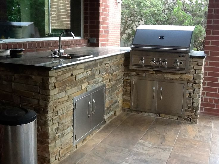 Flo Grills Outdoor Kitchen In Stone Finish