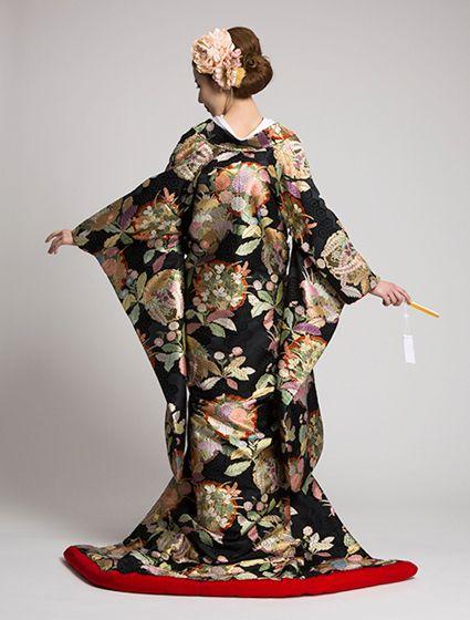 ウエディングドレス、高品質な結婚式ドレスならW by Watabe Wedding / 色打掛【黒地はるか】