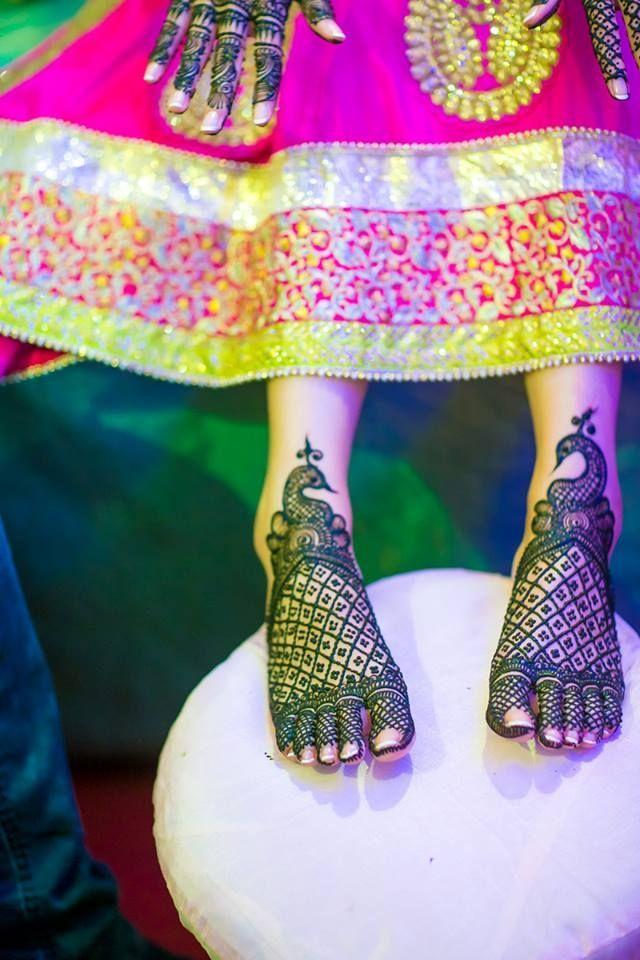 bridal mehendi legs https://www.facebook.com/nikhaarfashions