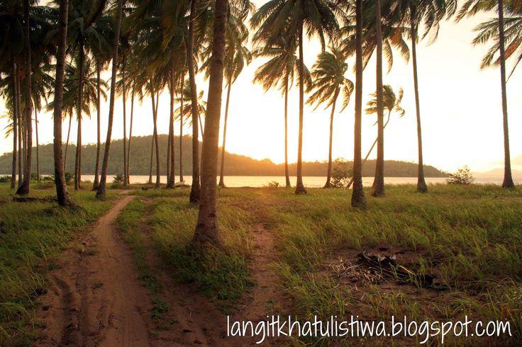 Pantai Gosong, Bengkayang - LANGIT KHATULISTIWA