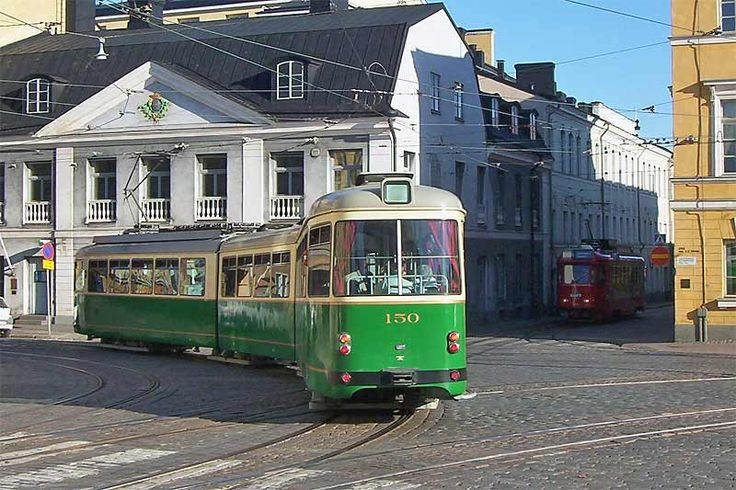 Trams of Helsinki, Aleksanterinkatu street (red one is a tram turned into a bar)