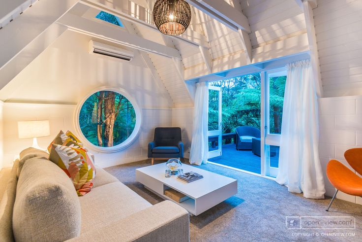 Designed by renowned architect Ian Burrow in 1975, this unique sun filled north facing #Titirangi home, has been extensively refurbished for modern living.  #Auckland #NewZealand #RealEstatePhotography #O2VNZ