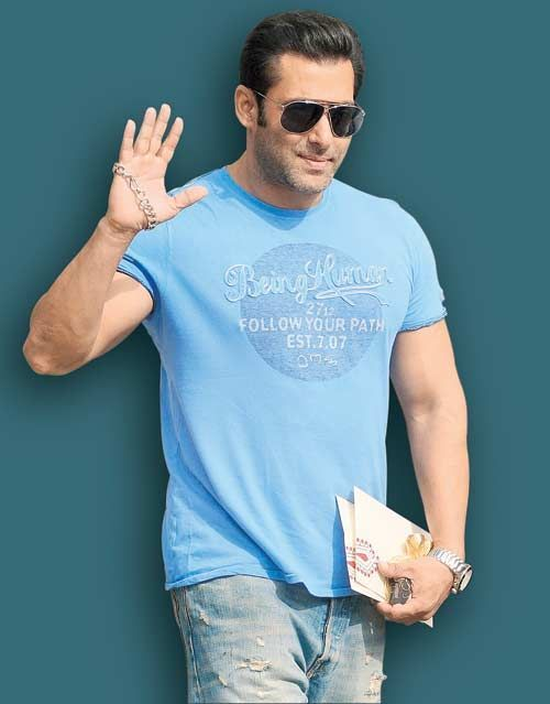 Don't hesitate to love Salman Khan. #Salmankhan #bollwoooops #love