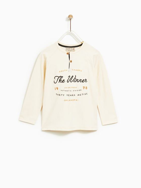 289e9e21f T-SHIRT MET POLOSLUITING EN TEKST | Boy fashion | T shirt, Zara kids ...