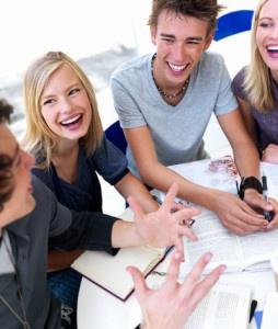 Mengembangkan Keterampilan Sosial dengan Beberapa Cara