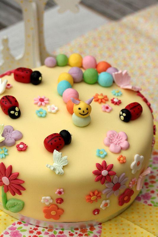 Gâteau d'anniversaire à la mangue