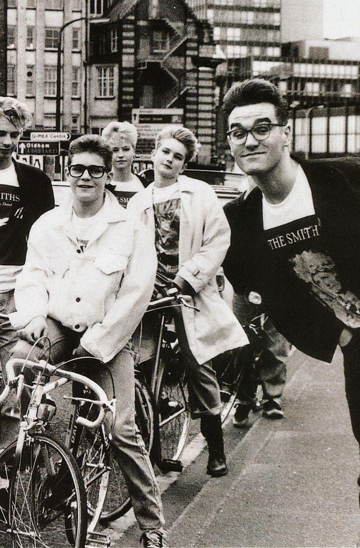 photobomb Morrissey!