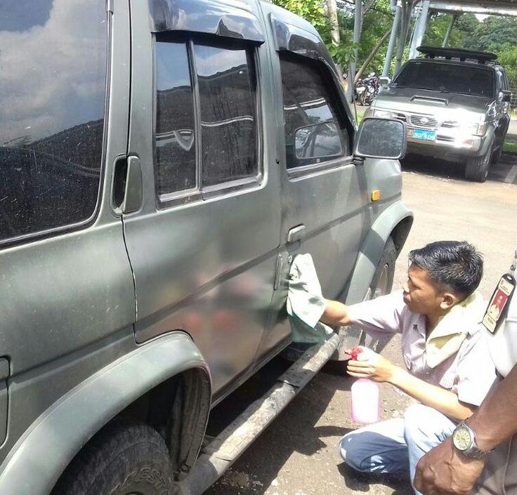 Army car washed with BiGlow Waterless