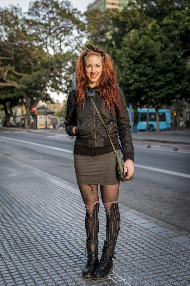 Me llamo Estela y nací en Málaga hace 23 años. Trabajo como administrativa y me considero afortunada por tener empleo en los tiempo que corren. Realmente me gustaría estudiar caracterización. No soy una persona positiva pero en vez..Si quieres saber + https://www.facebook.com/HISTORIASFUGACESDEMALAGA