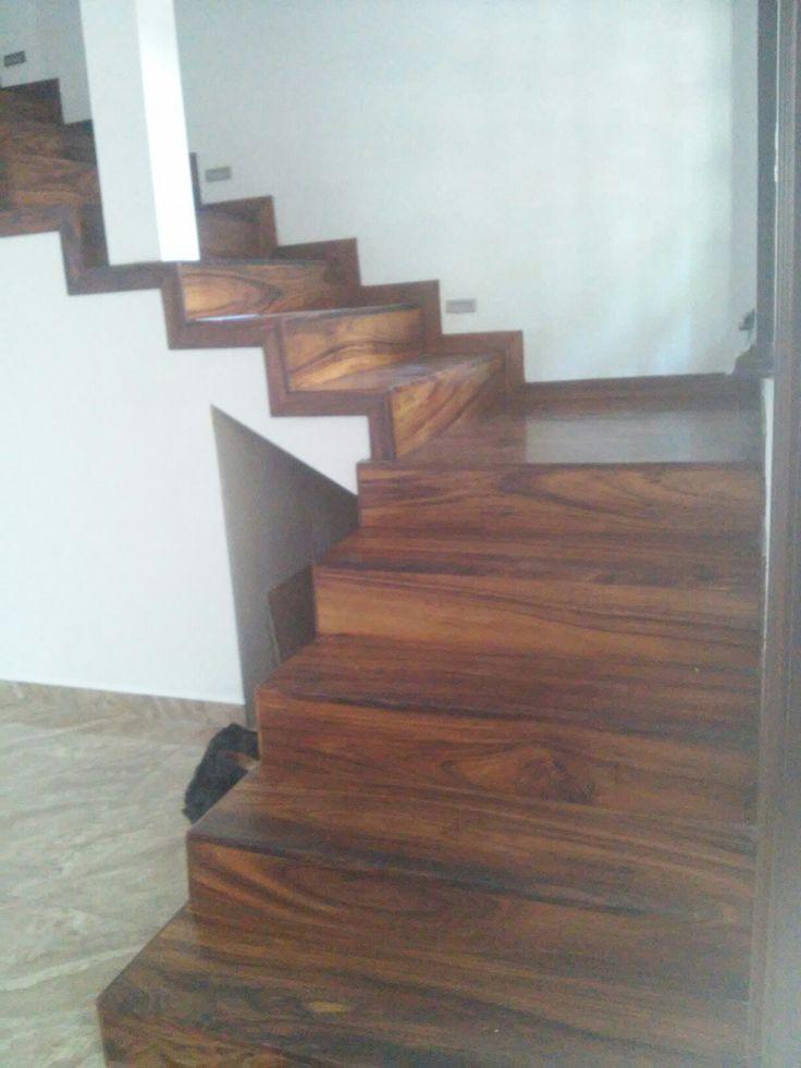 M s de 25 ideas incre bles sobre escaleras de madera for Ideas para forrar escaleras