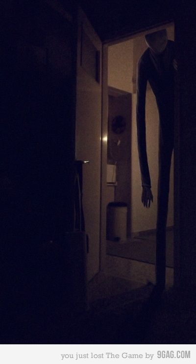 Slender man in my room O-O