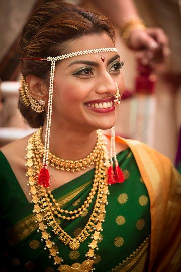 Maharastrian bride with traditional jewellery