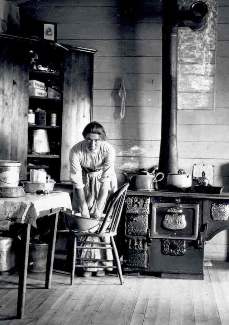 For more than thirty years spanning the late nineteenth and twentieth centuries, Evelyn Jephson Cameron photographed the landscape, wildlife, and people of eastern Montana. Evelyn took thousands of photographs of her world; the rural life, badlands, and ranch characters of the real west.