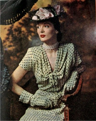 1945 Polka dot dress with matching gloves by Rose Barrack . . . and a cool hat.