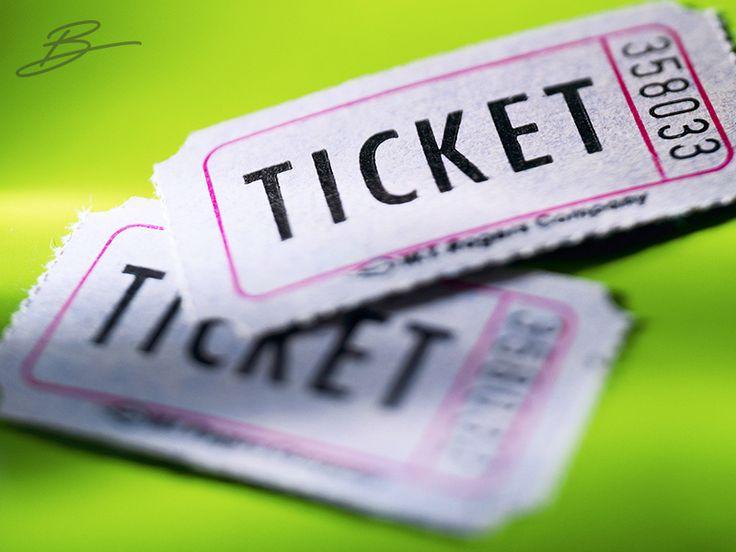 """Bilet. Konser, tiyatro, opera, sinema, dans, gösteri ve daha niceleri... Uçak, gemi, metro, otobüs, tren ve daha bir sürüsü... Hayatımızı kolaylaştıran, yaşantımıza heyecan, renk ve hız katan her şeyin anahtarıdır bilet. Bir de """"Biletini kestim!"""" var ki, onun konumuzla pek ilgisi yok! Biletsiz yaşayamayız, belki de o yüzden bu B, biletin B'sidir."""