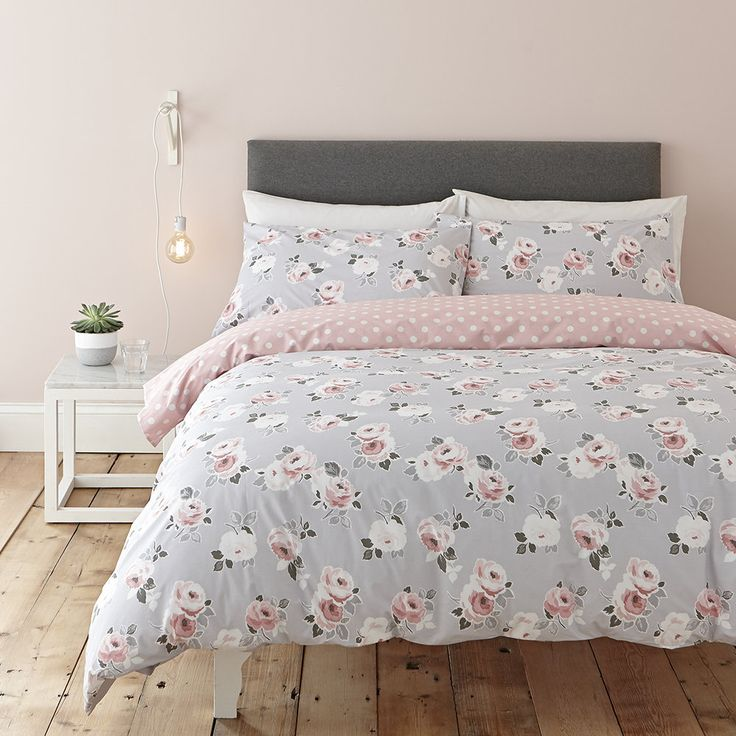 Discover the Cath Kidston Paper Rose Duvet Set - King at Amara