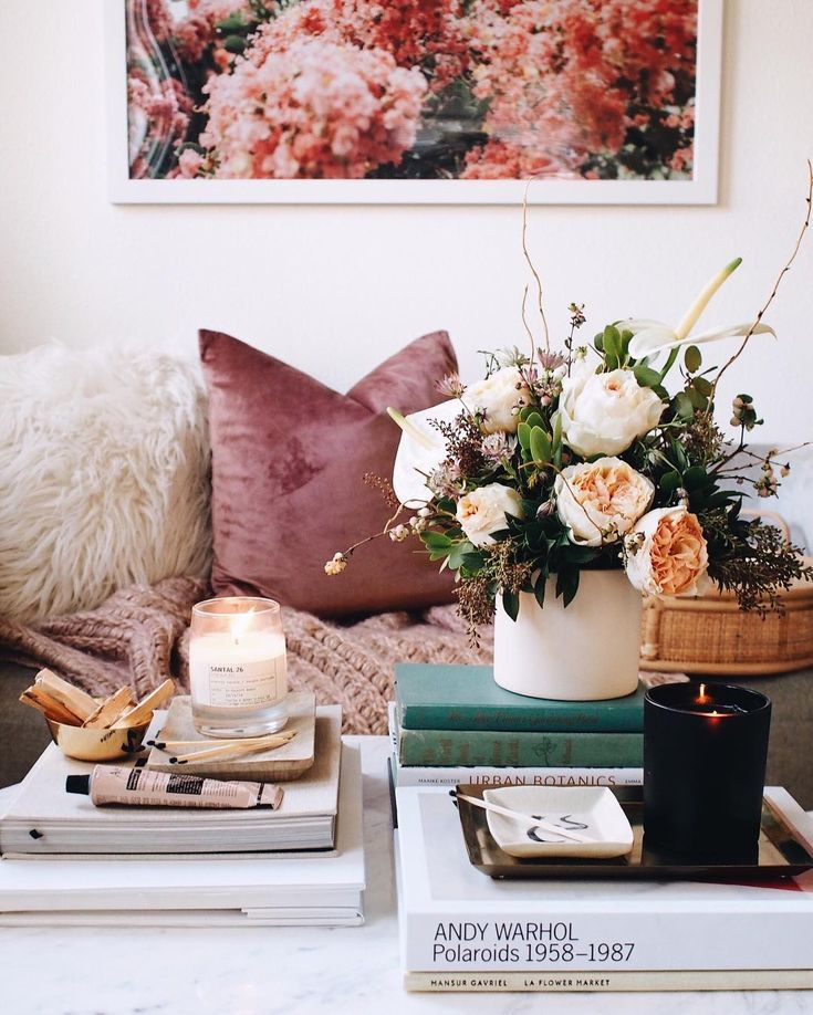 7 Apartment Decorating And Small Living Room Ideas Living Room Decor Traditional Coffee Table Arrangements Home Decor Styles