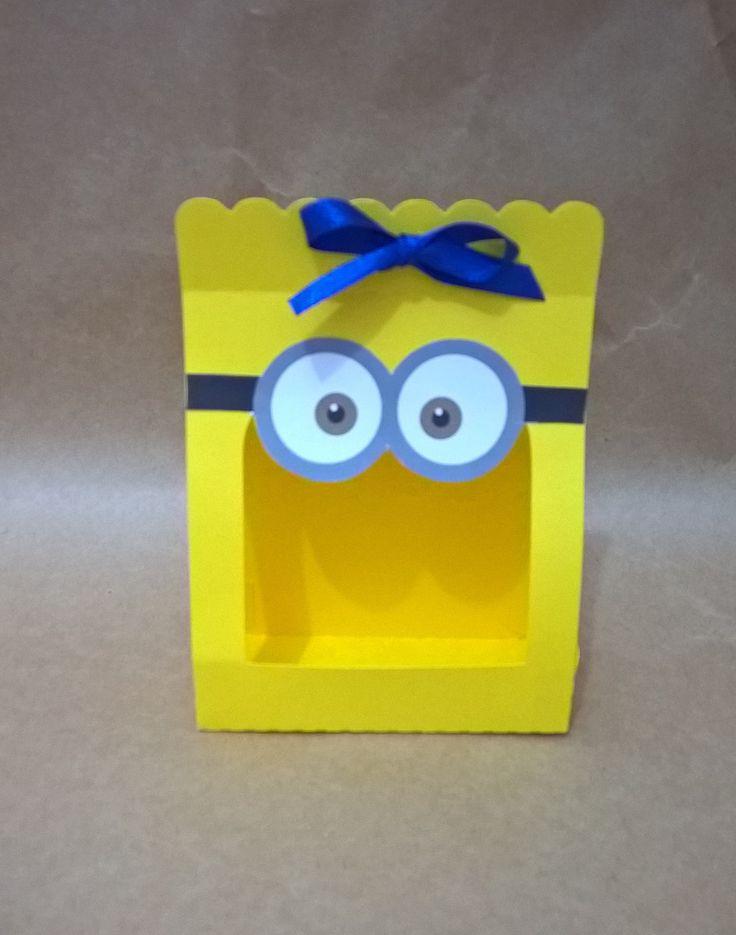 Caixa+produzida+em+papel+color+plus+180+gramas.+<br>Esta+caixa+é+ideal+para+colocar+3+docinhos.