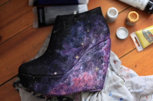 diy fashionWedges Heels, Hands Painting Shoes, Diy Fashion, Mists, Diyfashion, Galaxies Shoes, Galaxy Shoes, Boots, Galaxies Prints