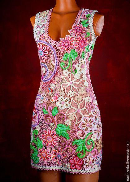 Купить или заказать Платье 'Пейсли'. Платье жизни и плодородия в интернет-магазине на Ярмарке Мастеров. Были приобретены отличные итальянские ниточки. Тёплым вечером, рассматривая картины 'пейсли' ,появилось вдохновение. Оставалось только взять в руки крючок и как кистью, повторить рисунок. Мне захотелось создать самый женственный образ, символизирующий женское начало, продолжение рода, жизни. Читая об орнаменте 'пейсли' , я поняла! 'Это то ,что нужно!