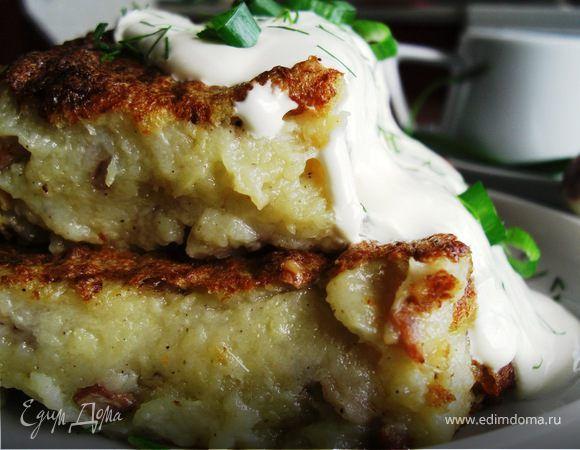 Традиционная картофельная бабка (Кугелис). Ингредиенты: свинина, сливки, перец черный