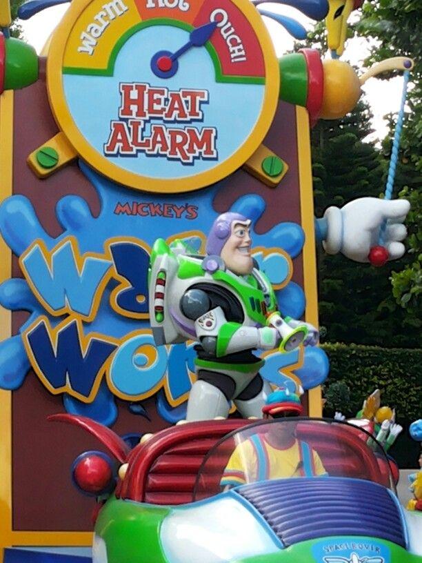 Buzzlightyear, Waterworks at Hong Kong Disneyland