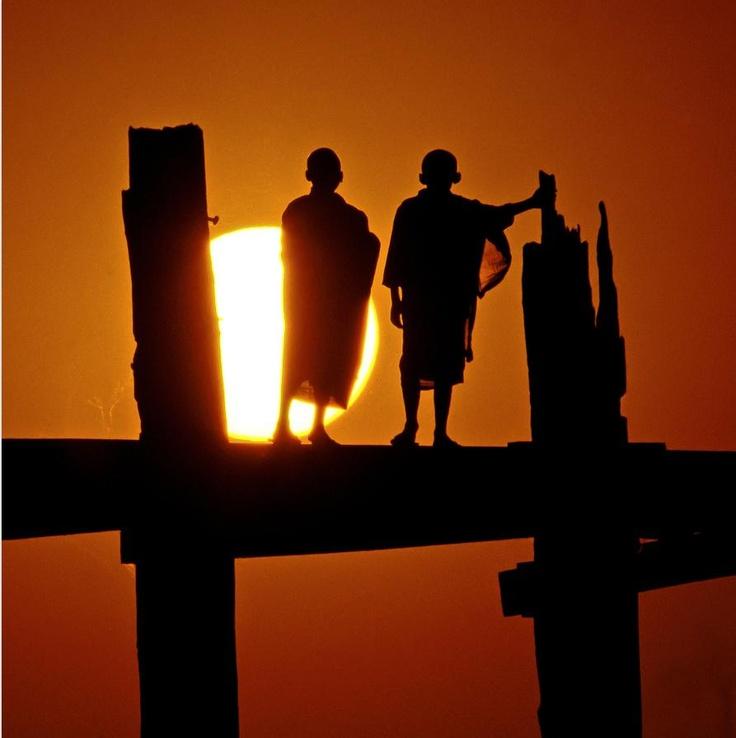 Beautiful moment captured.  Amarapura, Monks on U Bein Bridge