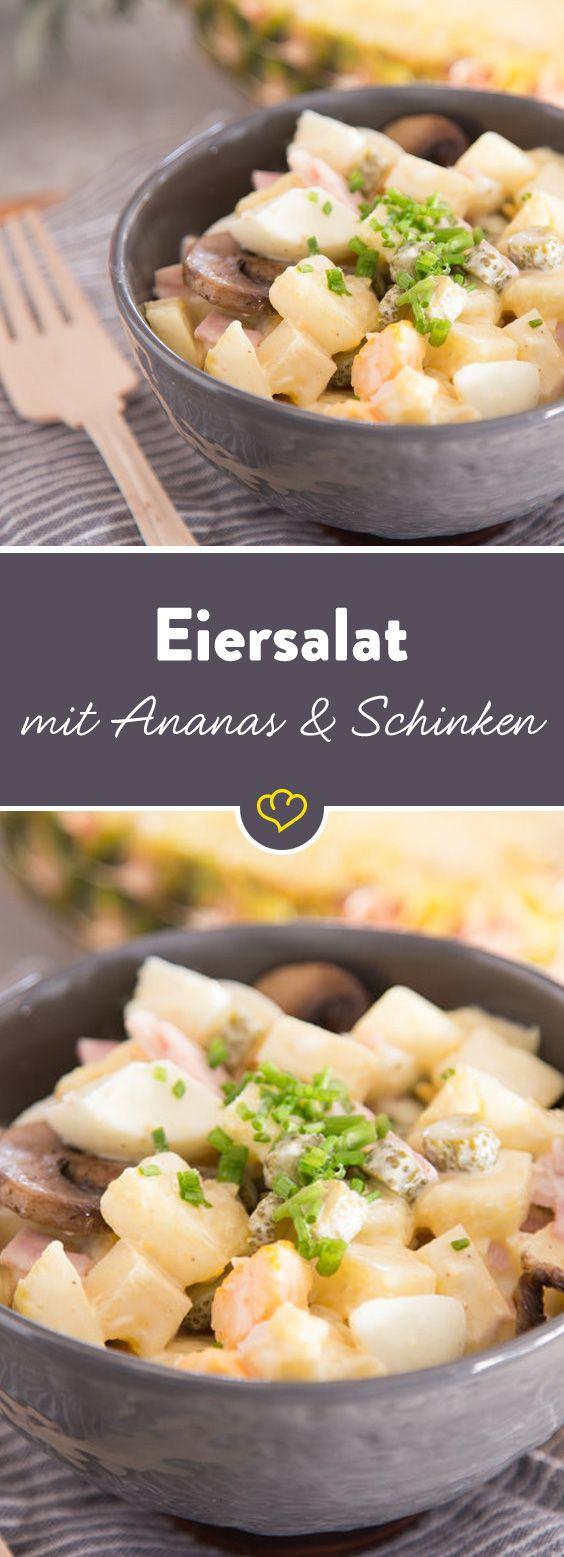 Eiersalat mit Retro-Charme: Ananas und Kochschinken schmiegen sich an hartgekochte Eierstückchen und werden von einem samtigen Dressing begleitet.