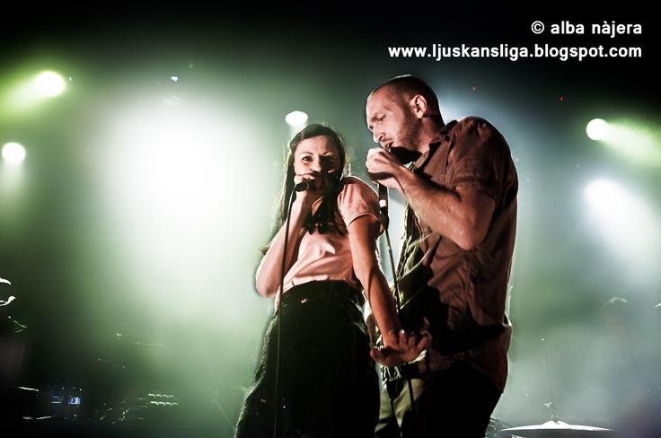 alba najera - fotografia concerts: Delafe y las Flores Azules - Music Hall: Puma Social Club (06/04/2013)