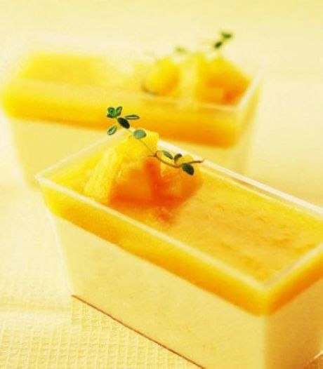 Non-baked yellow peach pudding