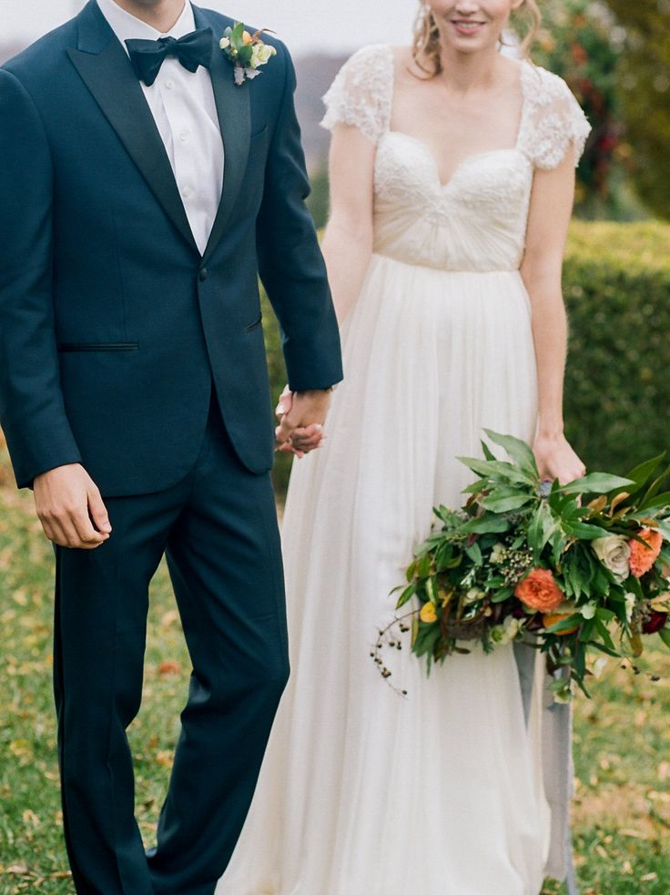 Modern Romantic Wedding Ideas with Family Heirlooms | Ruffled https://link.crwd.fr/nV6