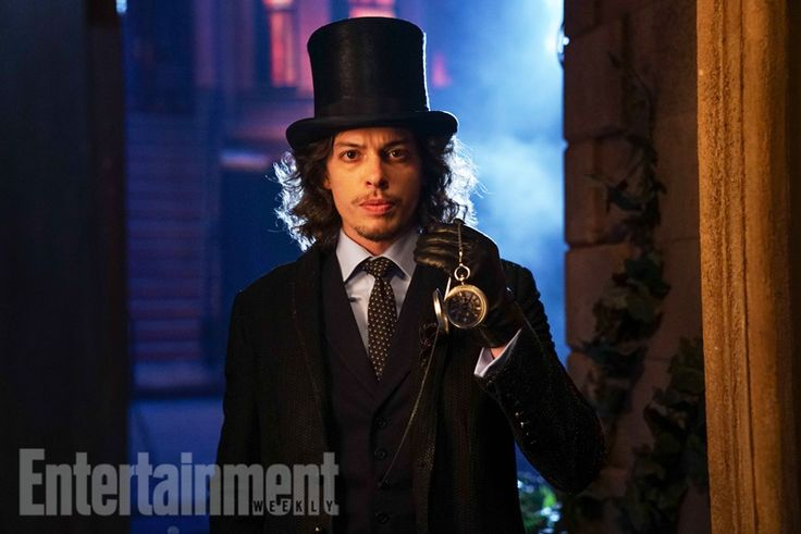 Gotham - Season 3 - First Look at The Mad Hatter | Spoilers
