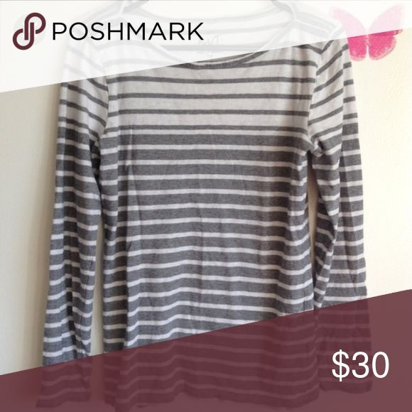 J Crew Artist Long Sleeve Grey Tshirt I will accept any offer with the button :) Super soft and comfortable. I'll post actual pictures when I get home from work today. If you have questions ask away! I ship the same day unless the post office is closed. Then I will ship the next day the post office is open. I DO NOT TRADE. J. Crew Tops Tees - Long Sleeve